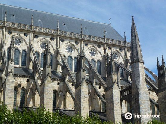 布日大教堂4