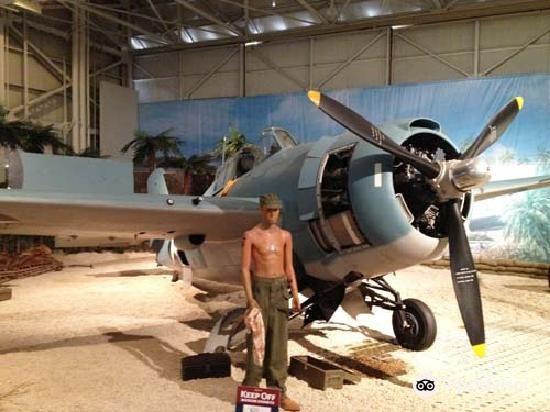 Pearl Harbor Aviation Museum3