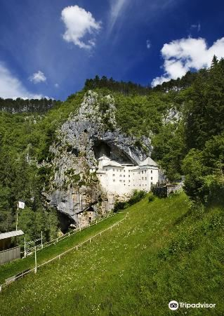 Predjama Castle1