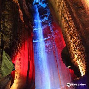 紅寶石瀑布