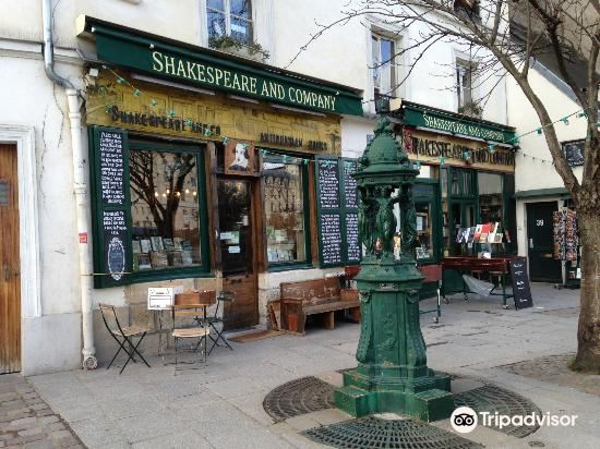 Shakespeare and Company Bookstore4