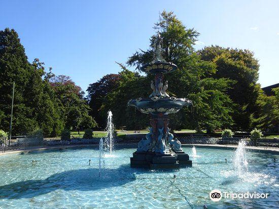 Peacock Fountain4