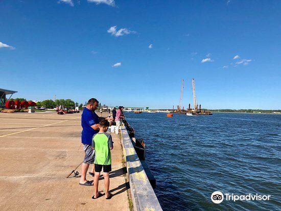 Peakes' Wharf Historic Waterfront2