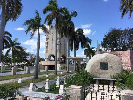 Santa Ifigenia Cemetery2