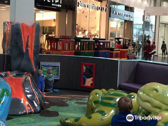Avion Shopping Park2