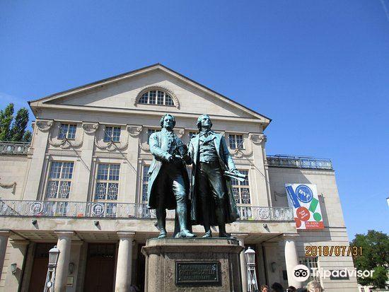 歌德和席勒塑像1