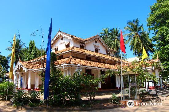 Isipathanaramaya Buddhist Temple1