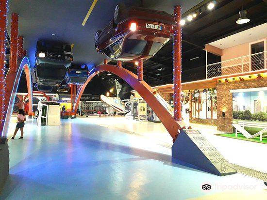 Upside Down Museum1