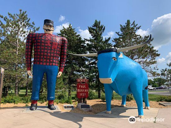 Paul Bunyan and Babe the Blue Ox4