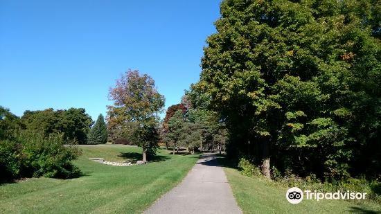 Niagara Parks Garden Trail2