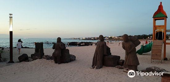 Gwakji Gwamul Beach4