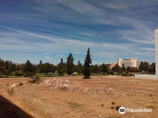 Parque Periodista Tico Medina2