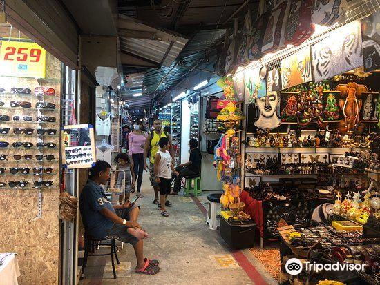 Chalong Night Market1