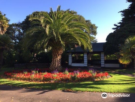 Blenheim Gardens3