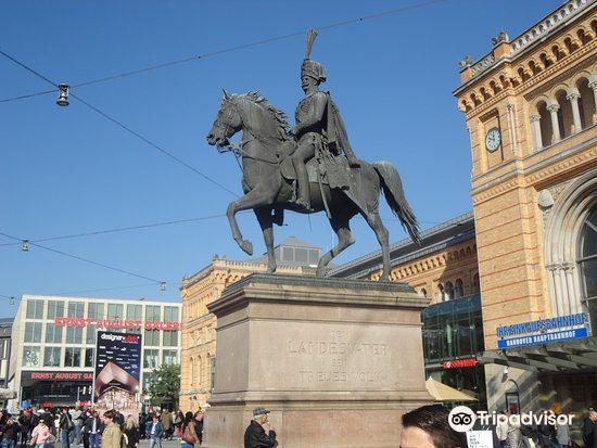Monument to Ernest Augustus1