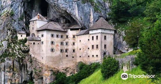 Predjama Castle3