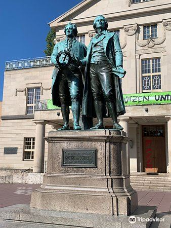 歌德和席勒塑像2