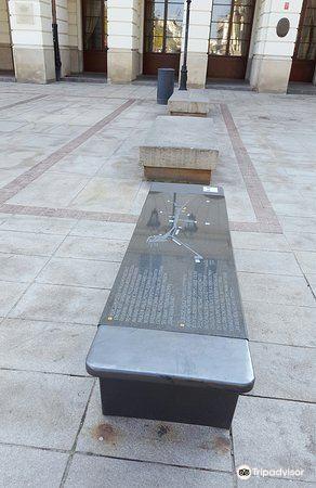 Chopin's bench4