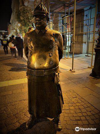 The Fat Policeman Statue1
