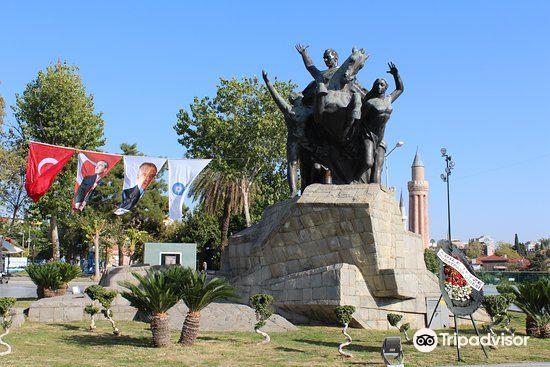 Ataturk Monument1