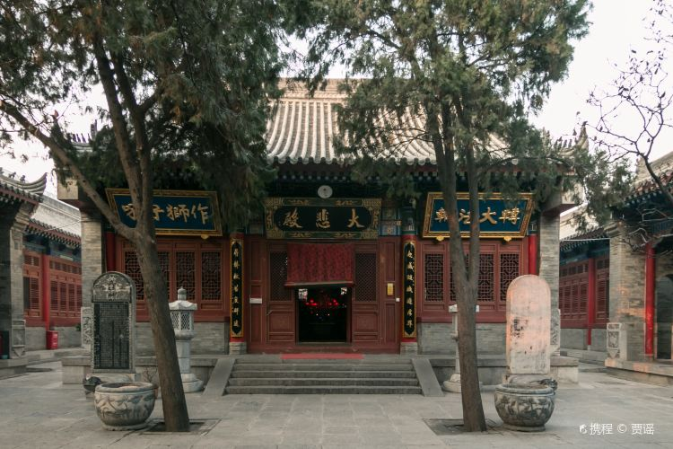 Wolong Temple2