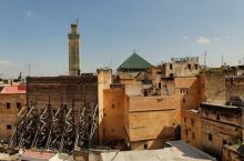 伊德里斯陵墓 伊德里斯陵墓_____位于非斯,是中世纪北非阿拉伯人建立的第一个伊斯兰什叶派王朝:创始