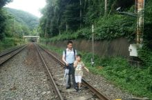 京都岚山一日游 岚山是京都郊外景区,风景秀丽,气候宜人,雨后漫步山中更加有味道,里面的寺庙都是百年经
