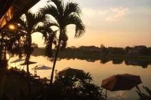 宁静秀丽的泰北小城,清莱          清莱是泰国最北部的首府,始建于1262年,曾是13世纪兰