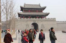 浚县一览 河南浚县古称黎阳,为一方重镇,历史悠久,浚县庙会为华北第一大庙会。这里是子贡的故乡,大伾山