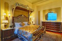 在这个酒店,可以用24k金的花洒洗澡