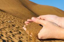 库姆塔格沙漠是世界上唯一与城市相连接的沙漠,位于鄯善