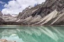 理塘县格聂神山景区内的肖扎湖,徒步者的天堂!