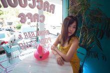 可以撸小浣熊的ins风咖啡店 要说曼谷别的不多,有特色的咖啡店实在太多了,恨不得赖在市区一个月每天轮