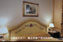 在巴勒莫入住了一个很古典的酒店