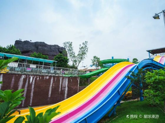 Yunmen Mountain Natural Scenic Area