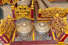 印尼 日惹 皇宫里依然居住着原皇族家眷,仆人和工作人员都穿着古时候的衣服