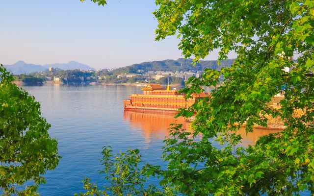 走进诗情画意的千岛湖,宛如人在画中游,感触令人怦然心动的美