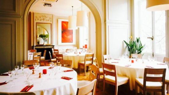 Valentine Restaurant