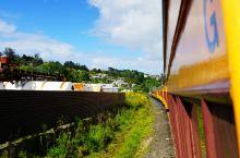 坐古董火车去淘金探险