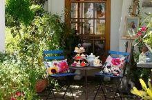 真想有一个小院,看繁花爬满篱笆 能有个漂亮的院子是多么的美好! 在里面过过悠闲的日子,回归自然,种种