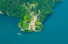 """""""偷窥""""乔治克鲁尼的别墅  米兰 北郊的 科莫湖 (como)位于阿尔卑斯山脚下,湖光山色风景优美,"""