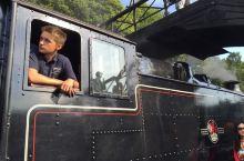坐着蒸汽小火车来到彼得兔的故乡