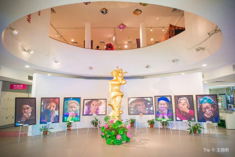 Vietnamese Women's Museum3