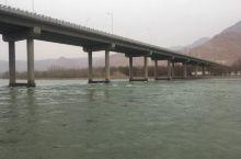 循化撒拉族自治县的清澈黄河