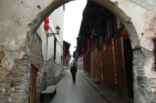 黔阳古城里纵横交错的青石街巷