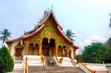 王宫博物馆,建在湄公河边,浦西山下,