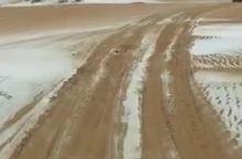 穿越腾格里沙漠