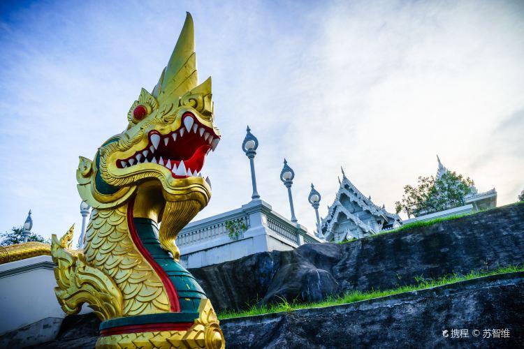 Wat Kaew Ko Wararam3