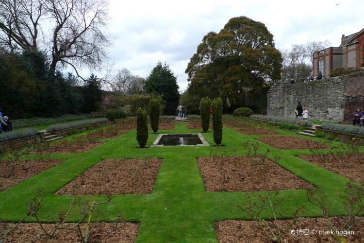 Eltham Palace and Gardens1