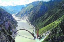 投资2500亿元的川藏铁路,累计爬升两座珠穆朗玛峰,风景令人屏息